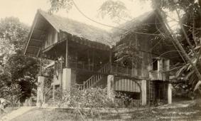 Malaisie, Mai 1917, Rantau Tinggi, maison d'Henri Fauconnier. He